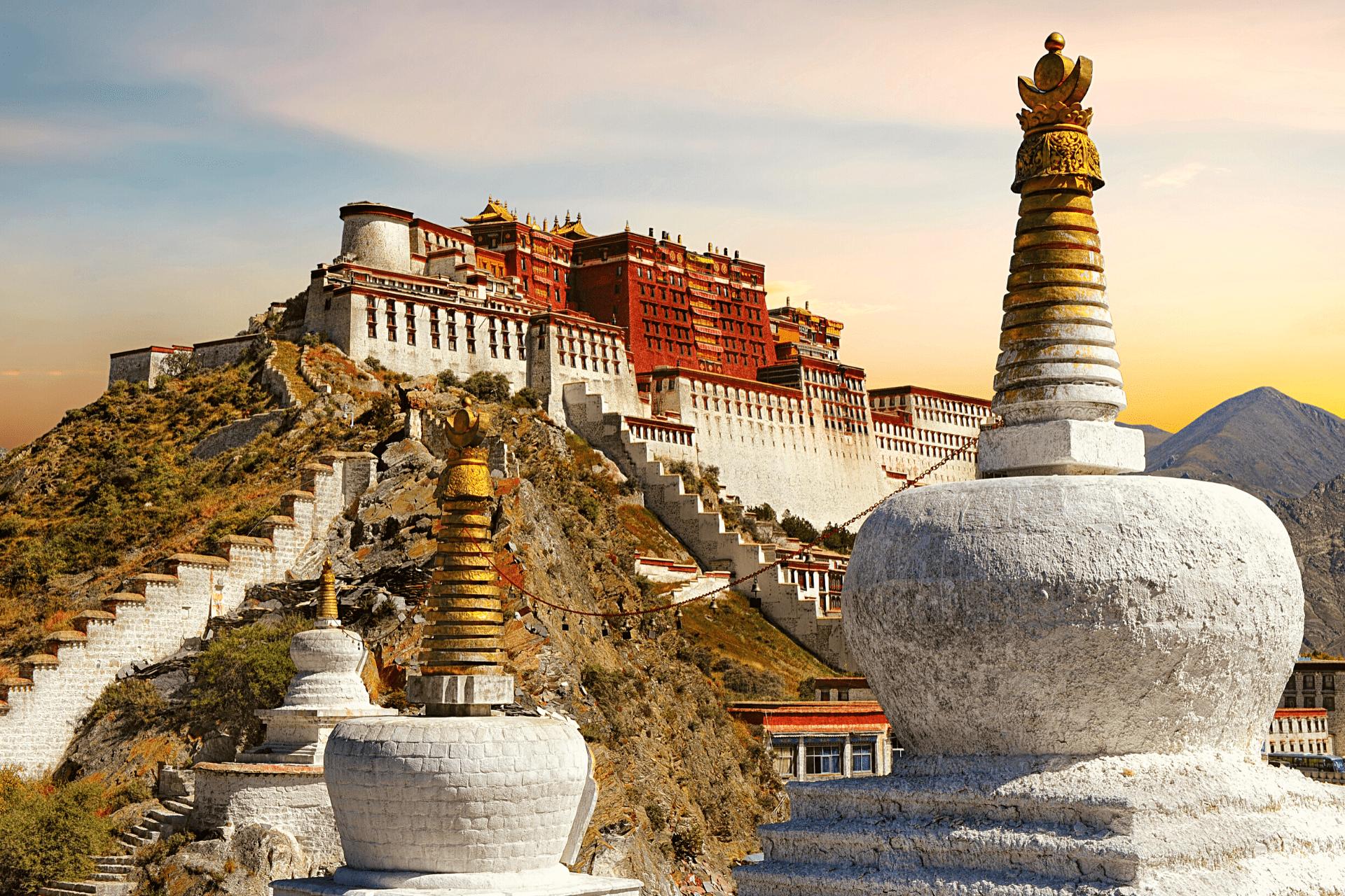 tibet-palace-sunset-chinese-language