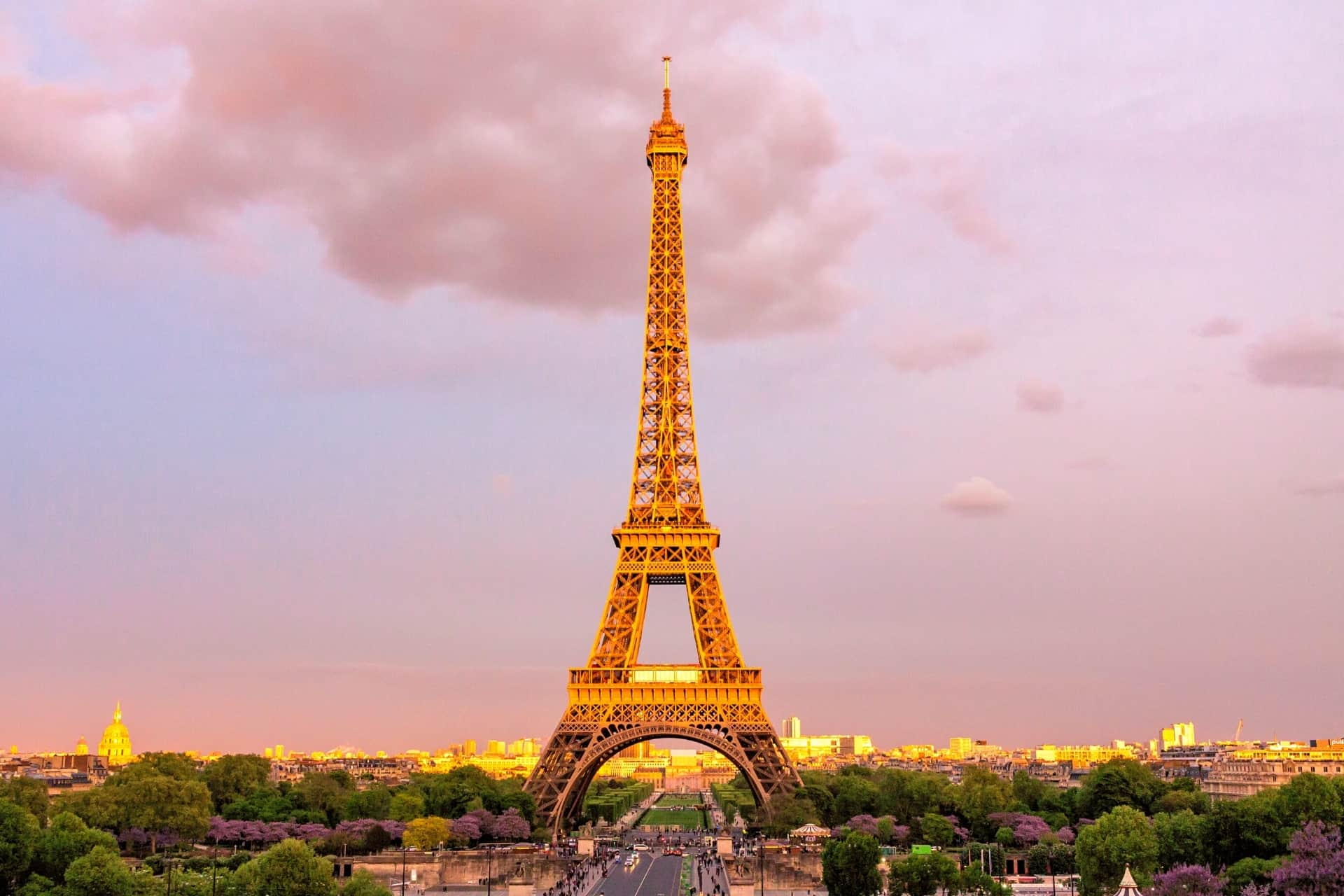 Eiffel-tower-sunset-paris-france-AFLS-400Languages